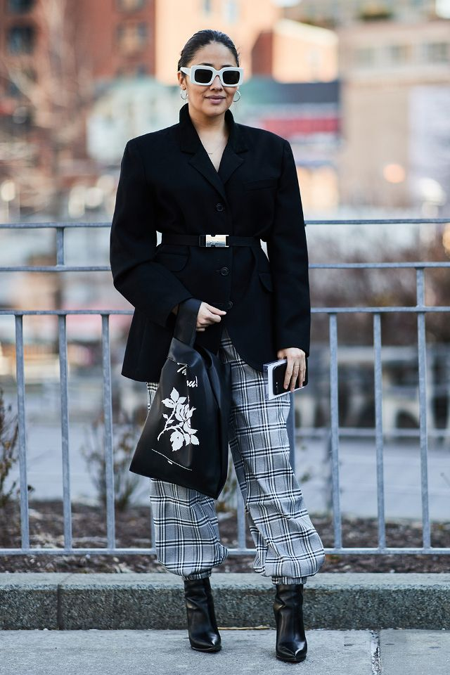 the-latest-street-style-from-new-york-fashion-week-2618803.640x0c